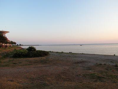 Dog beach, public beach